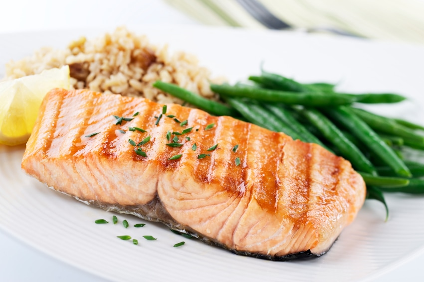 Salmon dinner with green beans and rice